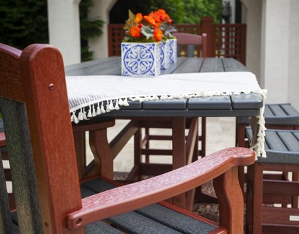 Breezesta is committed to manufacturing sustainable recycled outdoor furniture made from plastic.